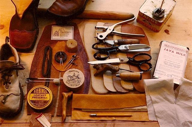 Dụng cụ cần có trong thiết kế và sản xuất giày dép thủ công