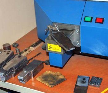 kiểm tra độ bền kim loại